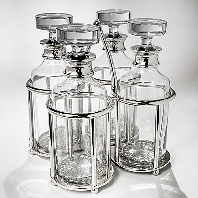 DECANTERS WITH TROLLEY