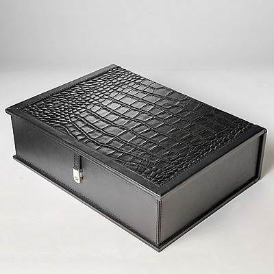 BLACK CROC TABLE BOX