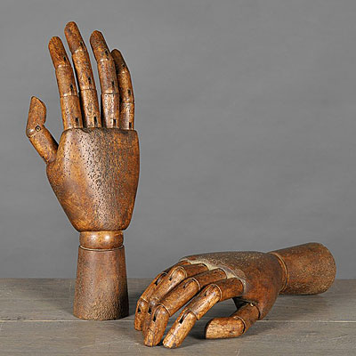 PAIR ARTICULATED WOOD HANDS