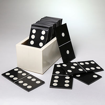 WHITE BOXED DOMINO SET