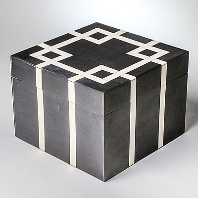 LARGE SQUARE GEOMETRIC BOX