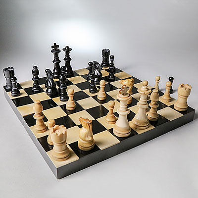 FOLDING BONE CHESS SET