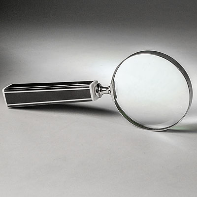 BLACK & WHITE MAGNIFIER