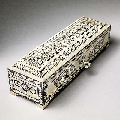 INLAID BONE PENCIL BOX