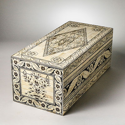 LARGE FLORAL INLAID BONE BOX