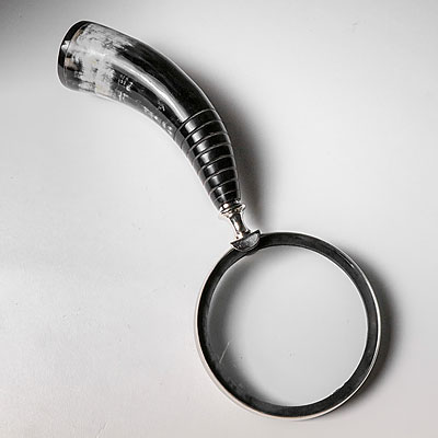 A MAGNIFIER W/ HORN HANDLE