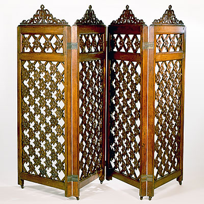 CARVED OAK SCREEN