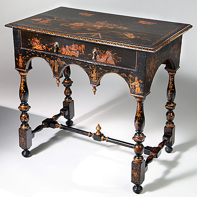 CHINOISERIE LACQUERED SIDE TABLE