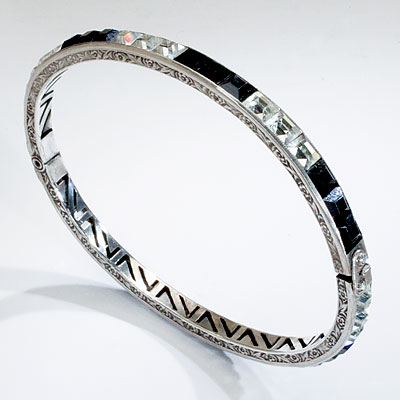 BLACK & CLEAR RHINESTONE BANGLE
