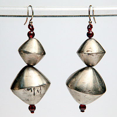 SILVER & GARNET DROP EARRINGS