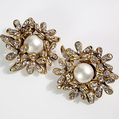 CHANEL PEARL FLOWER EARRINGS