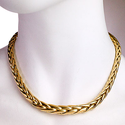 GOLD CAPLAIN NECKLACE