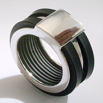 SILVER & RUBBER RING