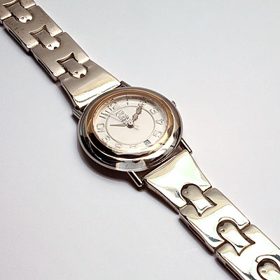 SILVER BUCKLE BRACELET WATCH