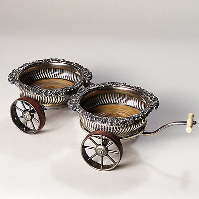 ENGLISH DECANTER TROLLEY