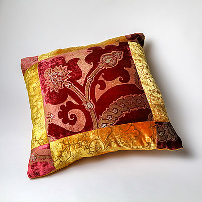SQUARE FORTUNY PILLOW
