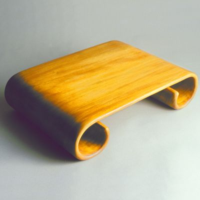 SCROLL-SHAPED TRAY