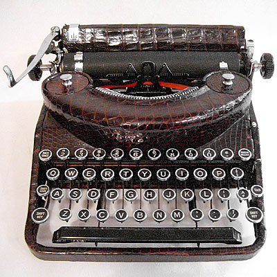 RARE TRAVEL TYPEWRITER