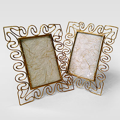 GEOMETRIC BRASS PICTURE FRAMES