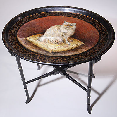 LACQUERED CAT TRAY TABLE