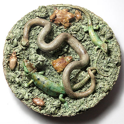 PORTUGUESE PALISSY CHARGER